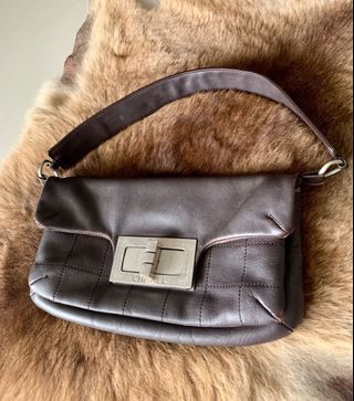 3f113b0e2b78 Authentic Vintage CHANEL Pochette Bag with Mademoiselle Turnlock