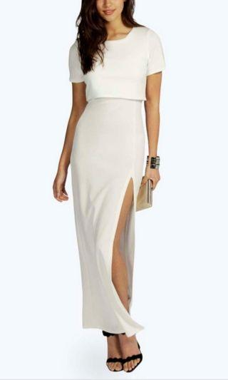 [FREE DELIVERY]: Long white dress with slit