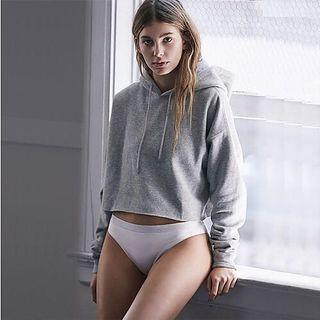 🚚 Grey Cropped Hoodie