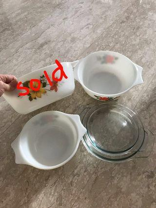 Vintage Pyrex Glassware