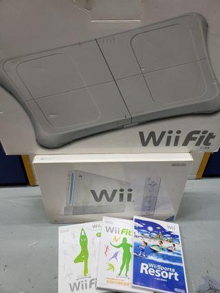Wii 一套 + Wii Fit