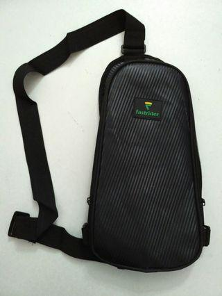 Sling bag for cyclists / motorcyclists