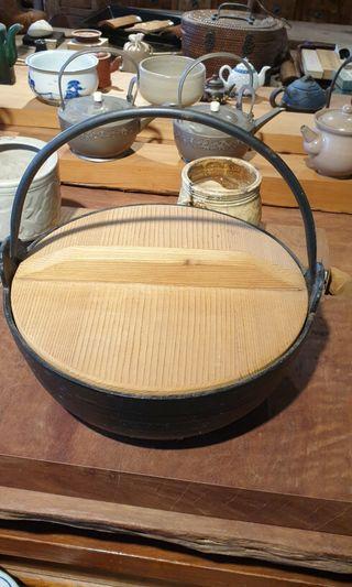 南部鐵鐵鍋  有落款  訂作檜木蓋 27x27x15 鍋身10cm