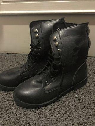 zalora black boots #19summer