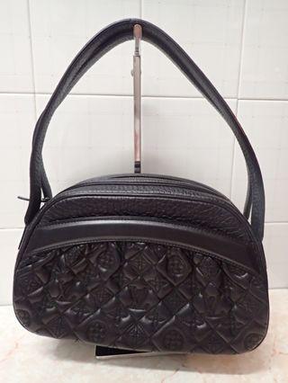 Lv black leather klara bag