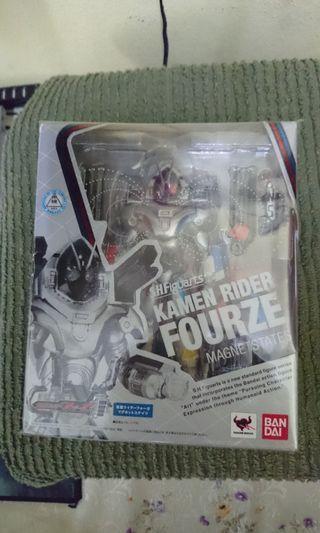 SHF Kamen Rider Fourze Magnet State