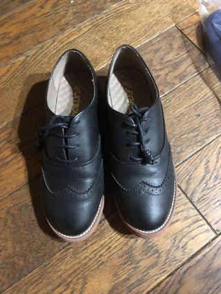 🚚 黑色 牛津雕花 皮鞋 低跟鞋