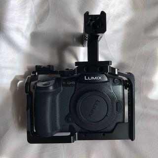 🚚 Panasonic Lumix GH5 w/ V-Log & Smallrig Cage