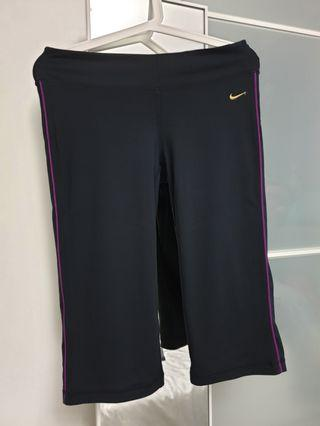 Nike 3/4 Tights pants size M black with purple trimmings