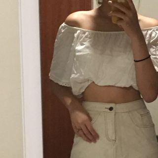 🚚 BN pull and bear off shoulder white top