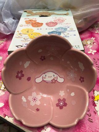 7-11 花形陶瓷碗 全新 玉桂狗 櫻花形 sanrio cinnamoroll sakura 有盒 已開 未用過 不交換