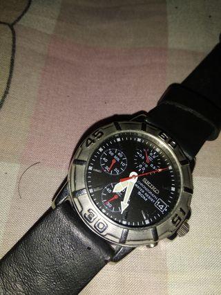 Jam tangan seiko v657 8060