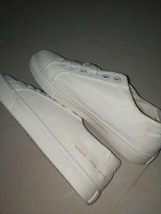 🚚 white fashion sneaker