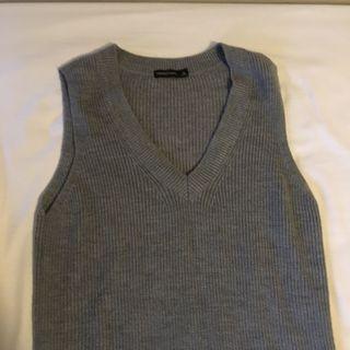BN yishion grey long knitwear vest sleeveless