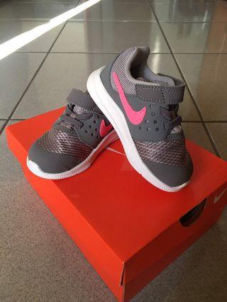(最後降價)正牌Nike男童鞋