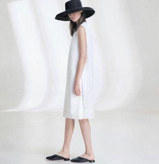 Brand new Giordano ladies dress in size 01