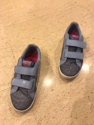 REDUCED - Girls sports shoes PUMA