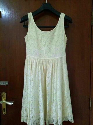 White lace dress / dress putih gading formal brukat