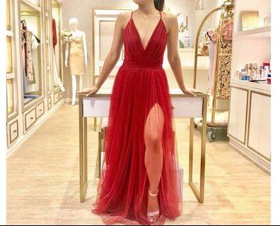 Style staple Gown for rent