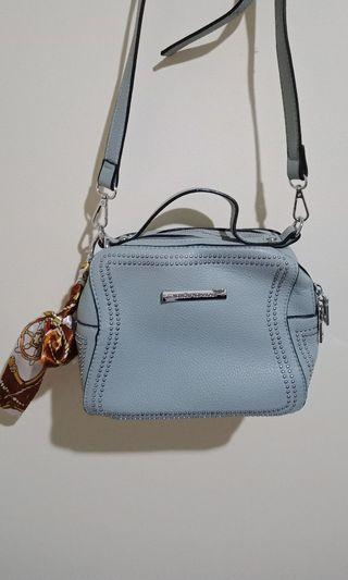 Sling Bag Light Blue