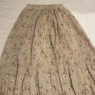 BN long beige floral pleated skirt