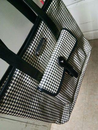Authentic Ralph Lauren women bag.