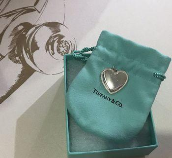 Tiffany 💯 %Authentic necklace , keyring , charm and ring
