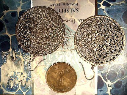 ⚪Silver circle earrings 銀色圓形花紋耳環