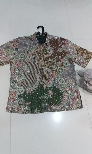 Kemeja batik motif hijau