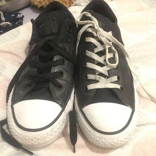 Authentic Converse all star black