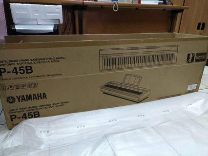 Piano Yamaha P-45B new open box only