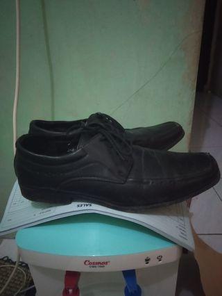 Jual sepatu pantofel batta