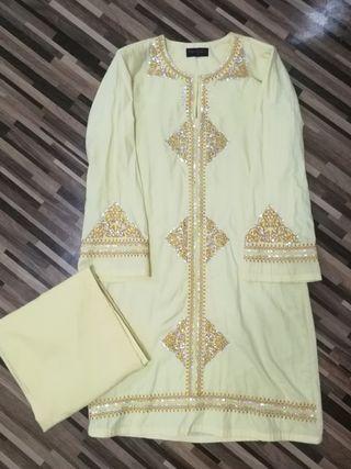 Baju kurung (Kuning)