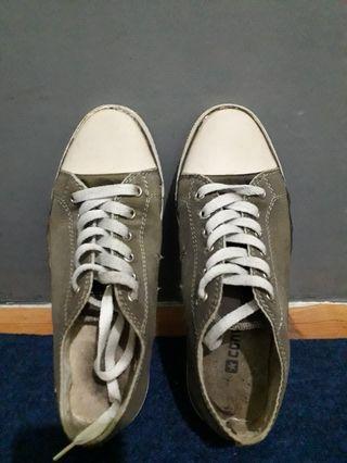 #BAPAU sepatu converse ( no ori )