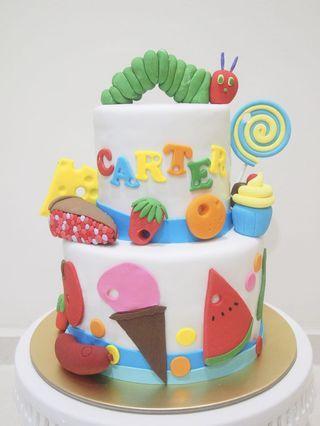 🚚 Hungry caterpillar cake