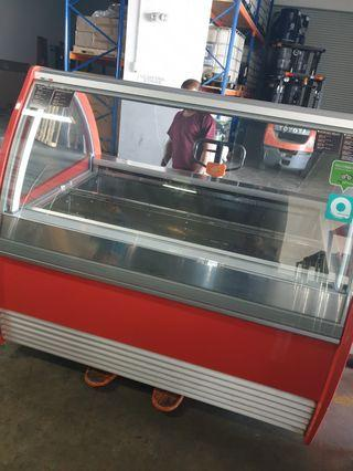 Gelato Ice Cream Display Freezer - Made in Italy - Almost New Commercial kitchen equipment