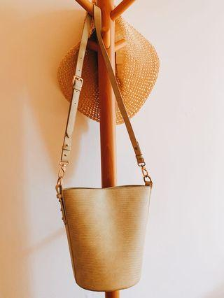 Cute Bucket Bag (only used twice)