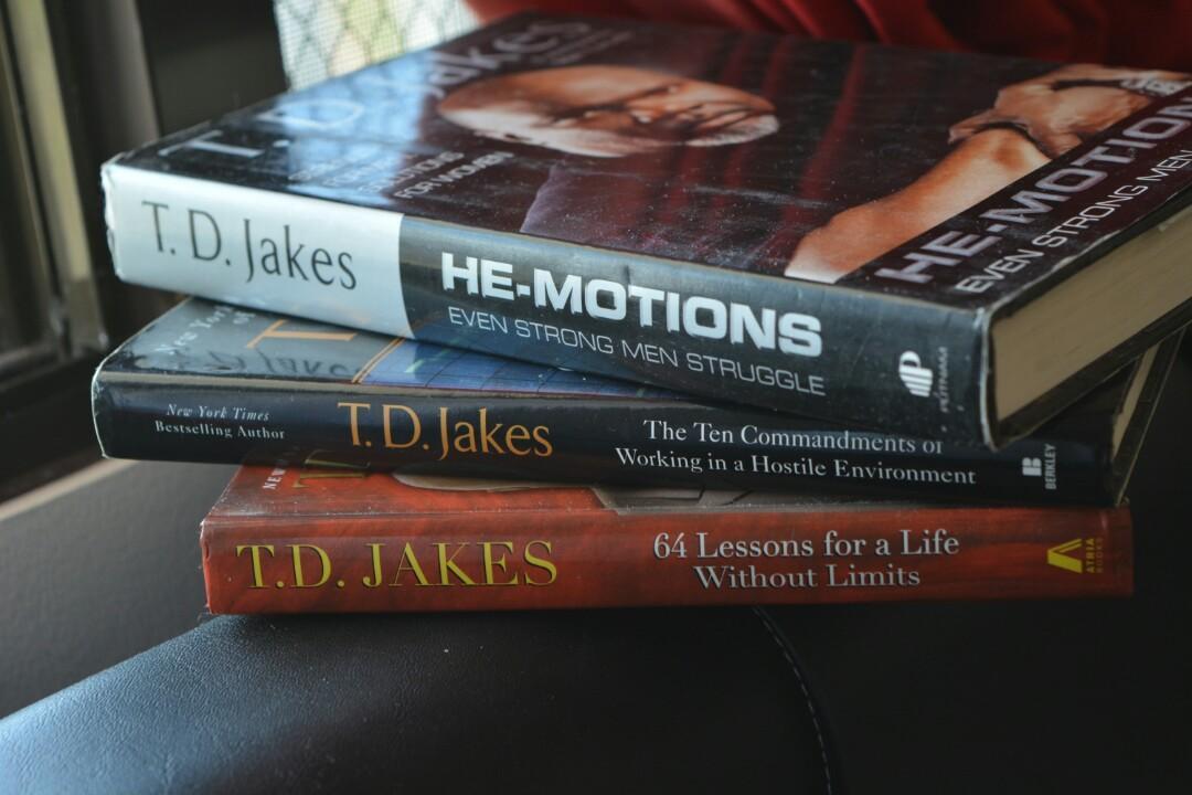 Td Jakes Books