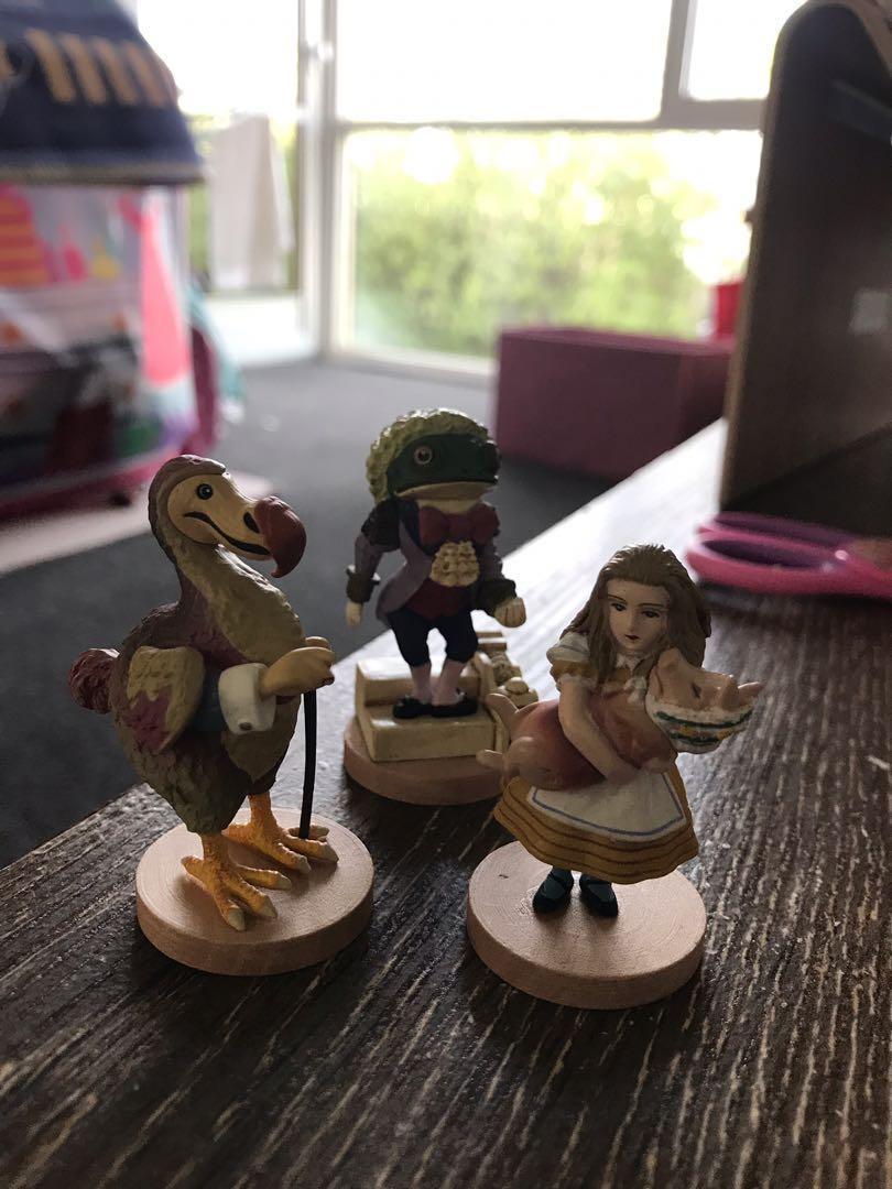 3 vintage Alice in wonderland figurines from japan