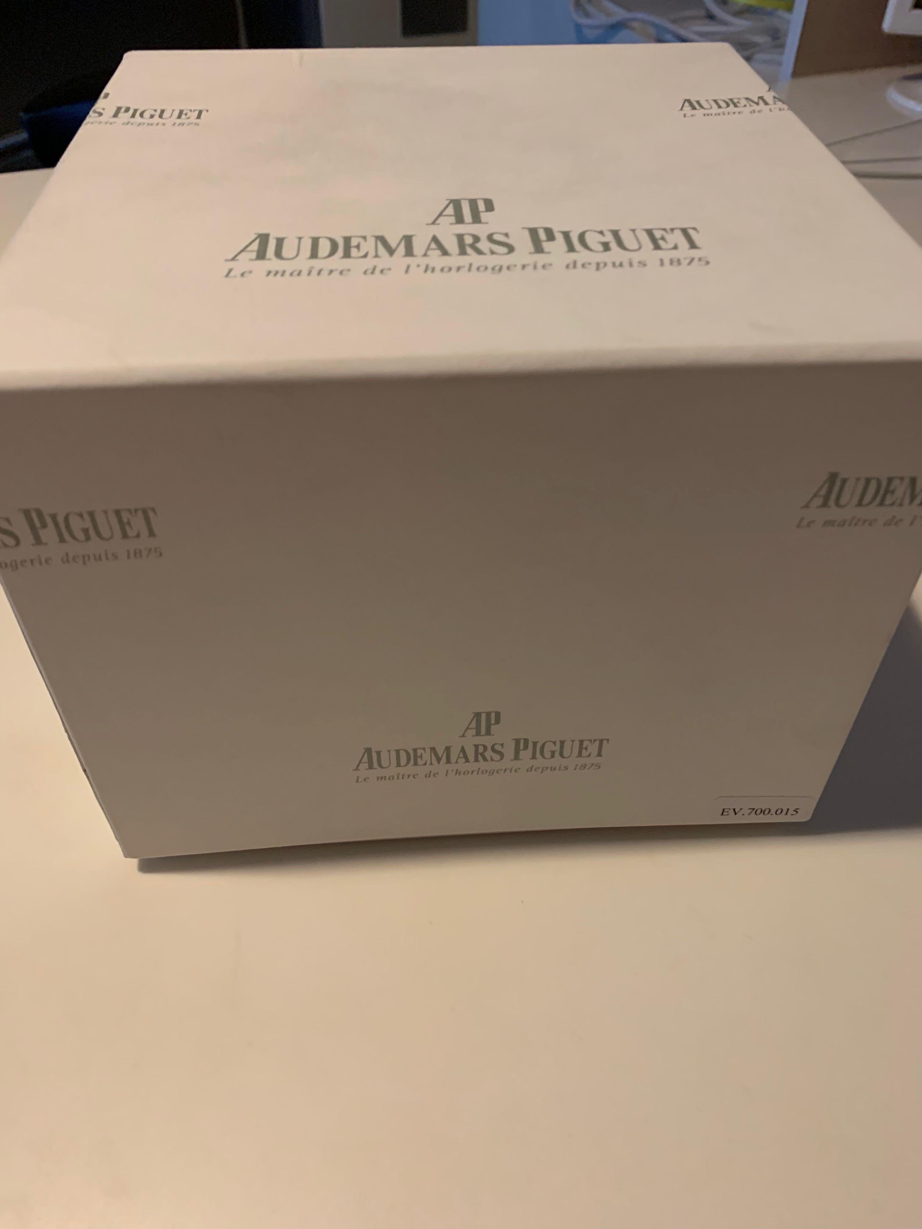 *SOLD*Audemars Piguet Ladies Royal Oak 37mm
