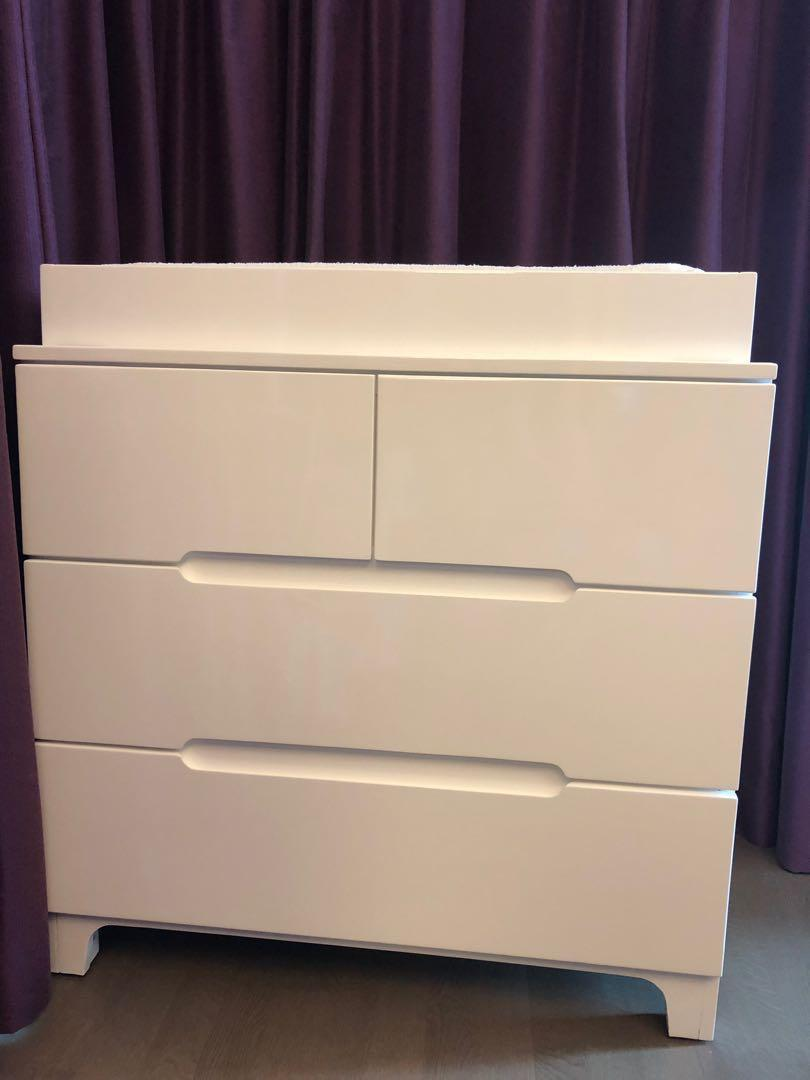 Bloom Alma Dresser with Change Tray