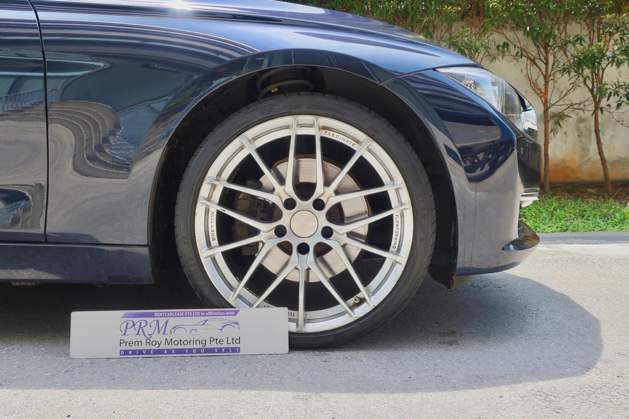 BMW 328i Sedan Auto
