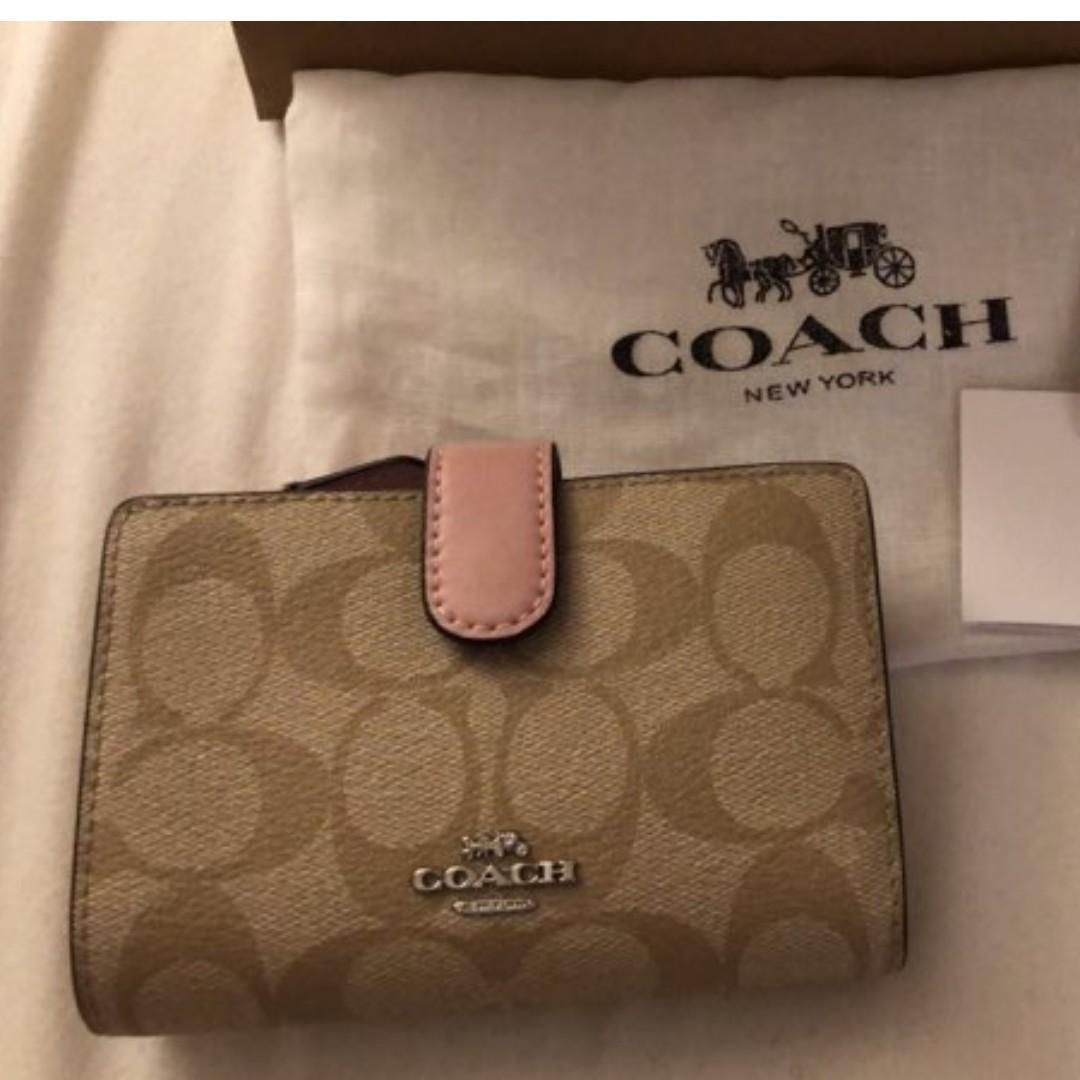 BNWT Coach wallet