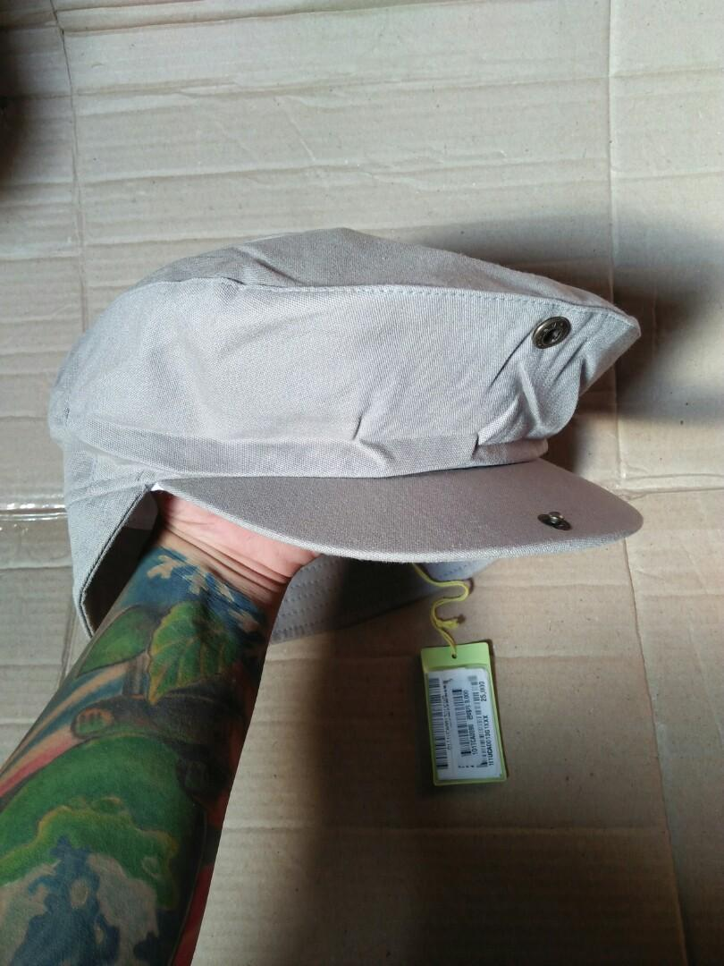 Flat cap rusian hat/vintage Hooligans Tartan cap  Brand: ISSAC Original made in japan Vintage Authentic Rare/Limited Edition Size: M-L (57cm) Full tag logo brand Kondisi: new(masih menempel tag bandrol barunya)