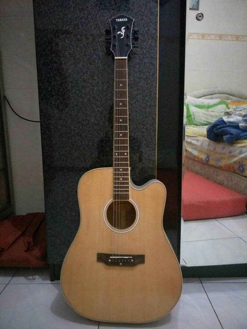 Gitar Yamaha Reprice