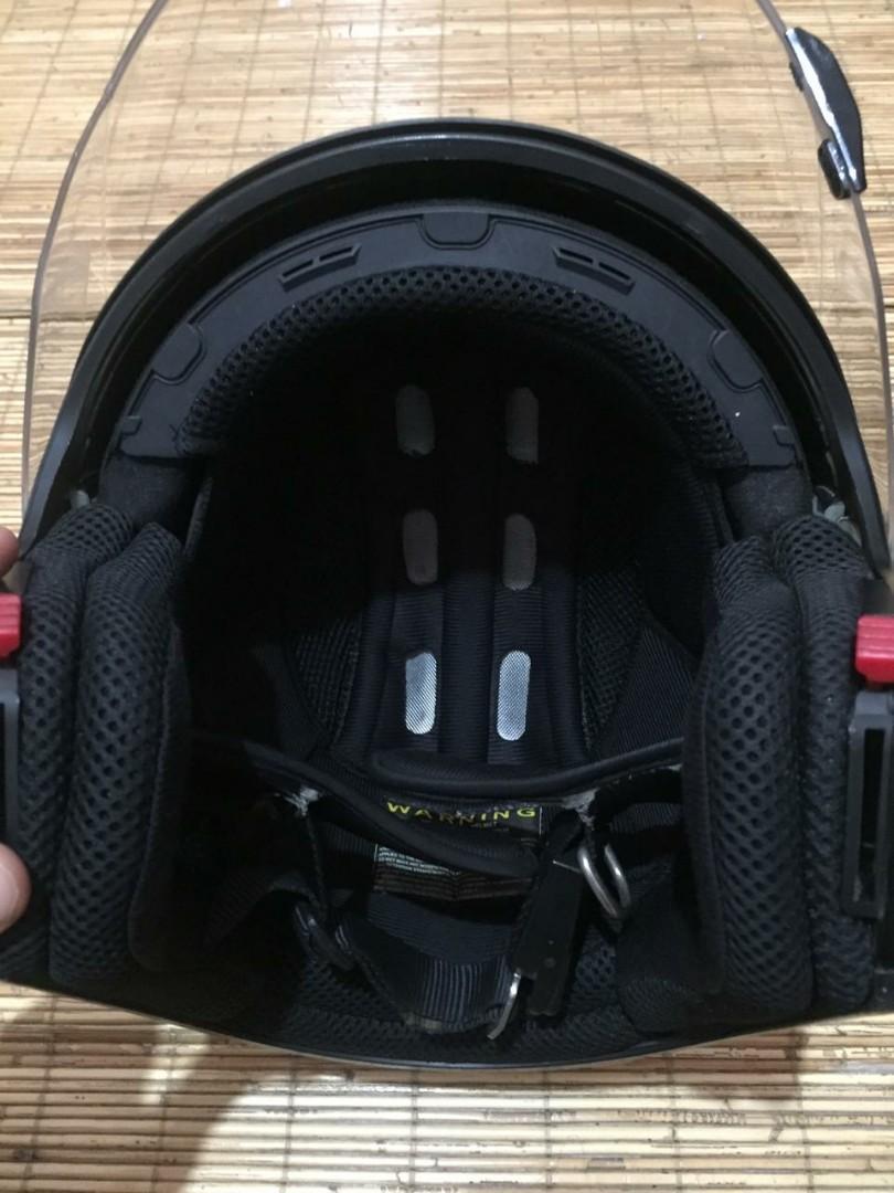 Helm zeux 611 black