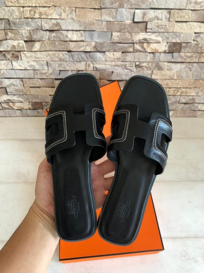 Hermes Sandal H191, SUPERMIRROR, Seasonal Items, 35-40  H  @650rb  Berat 700g  Standar Size : 35=22.5cm 36=23cm 37=23.5cm 38=24cm 39=24.5cm 40=25cm