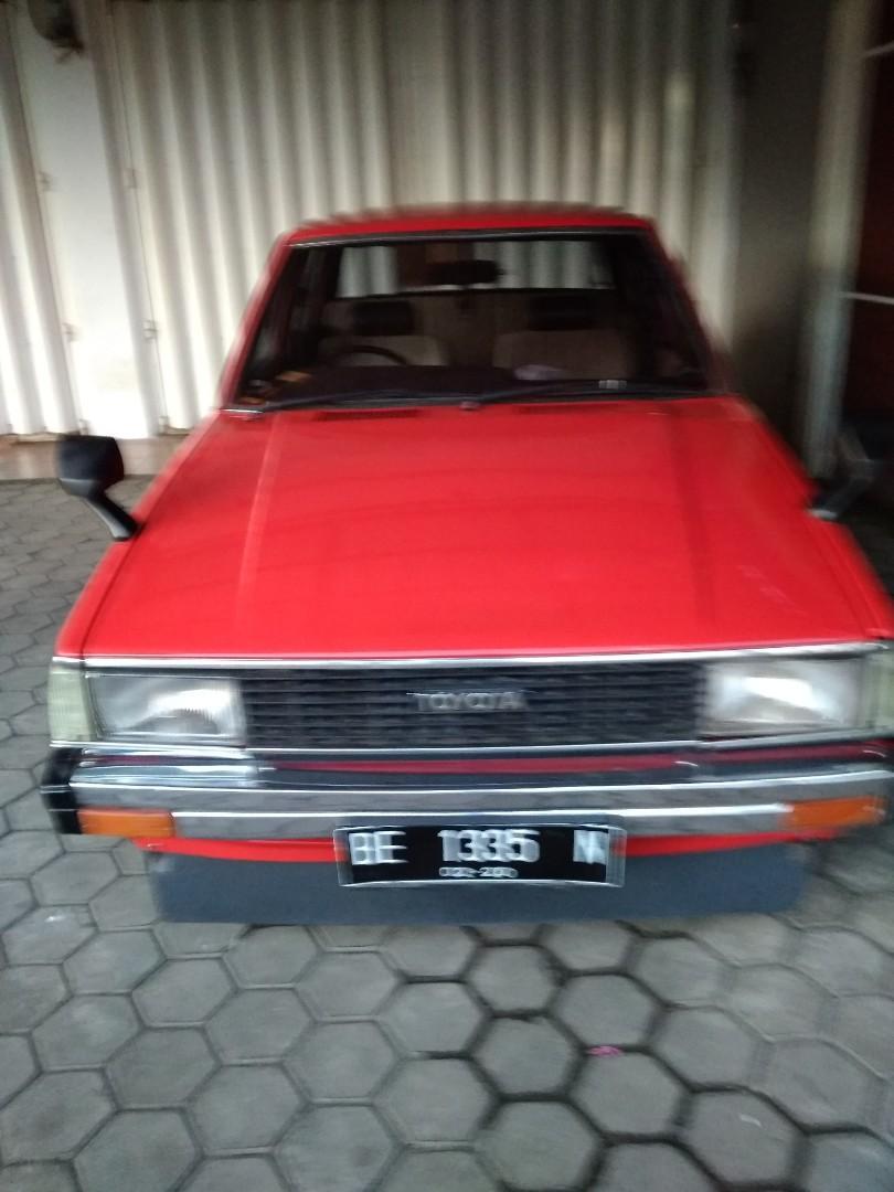 Mobil Corolla DX
