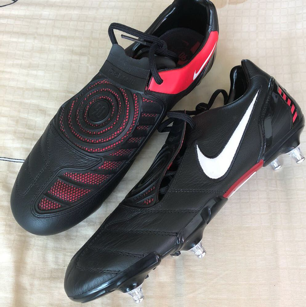 super popular a8a6e 66af0 New Nike Total 90 T90 laser black red leather football soccer boots SG soft  ground, Sports, Sports Apparel on Carousell