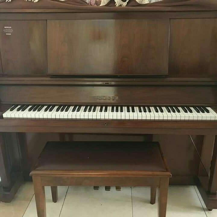 Piano Akustik Yamaha tipe W